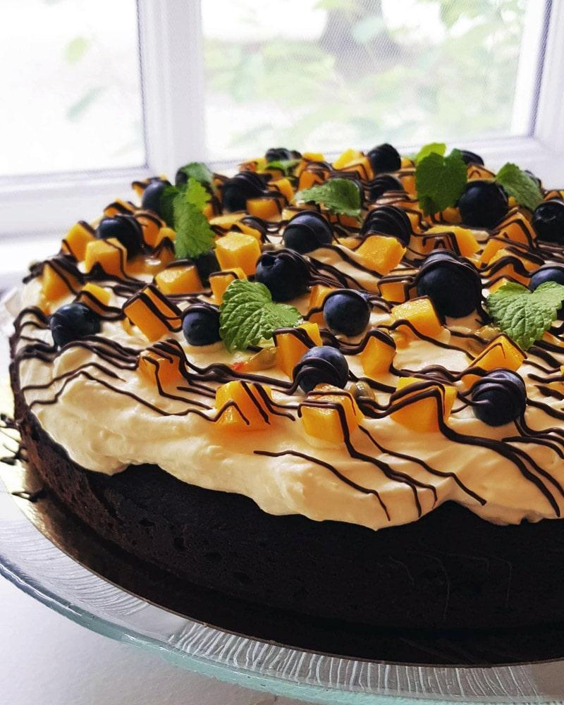Brownie med mangocreme